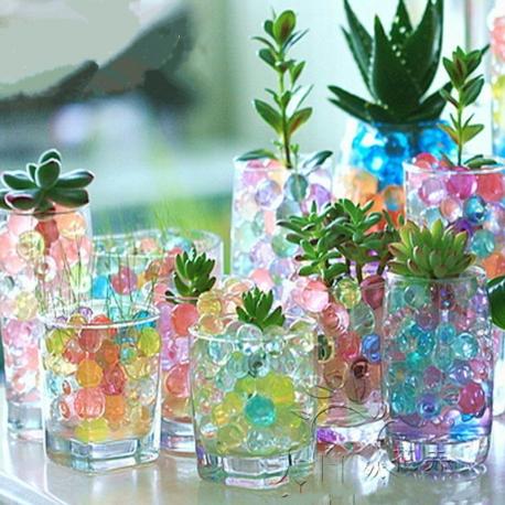 Spalvoti vandens kristalai Gėlėms