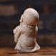 Maža vienuolio statulėlė